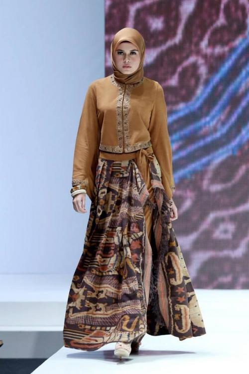 model baju batik muslim untuk pesta dengan badan agak gemuk